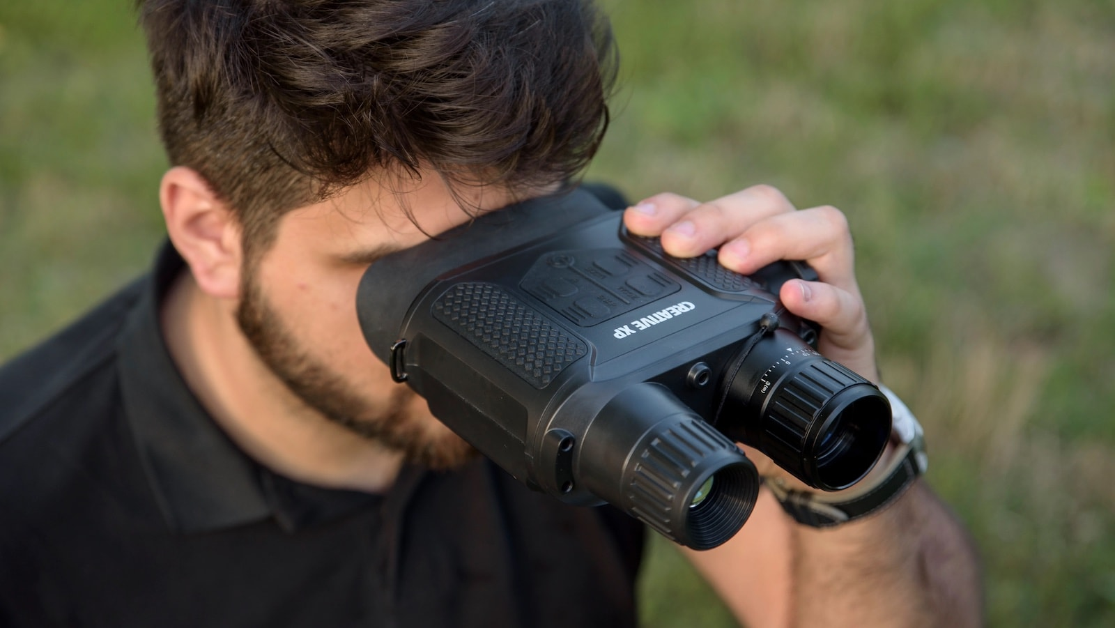 CREATIVE XP Digital Night Vision Binoculars let you see clearly in complete darkness