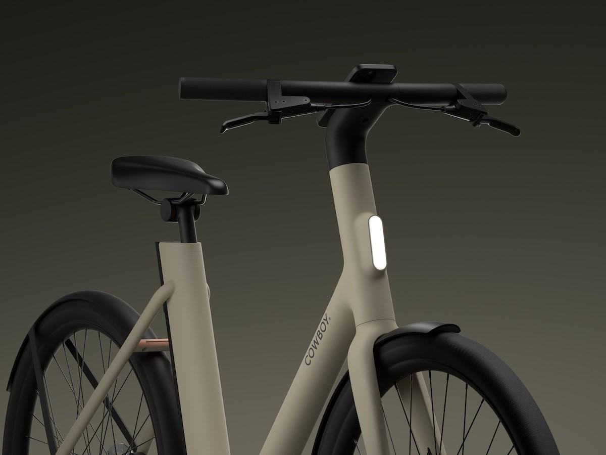 Cowboy 4 ST city eBike has a single-speed motor that offers intuitive assistance thumbnail