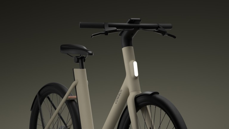 Cowboy 4 ST city eBike has a single-speed motor that offers intuitive assistance