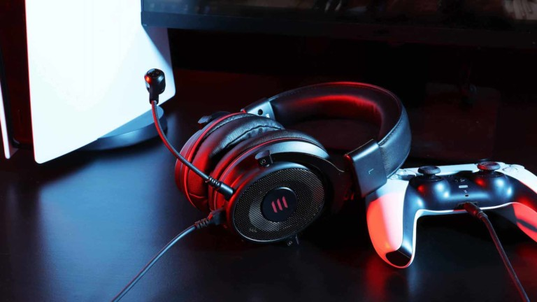 EKSA E900 Pro 7.1 virtual surround sound gaming headset works for PC, PS4, and PS5