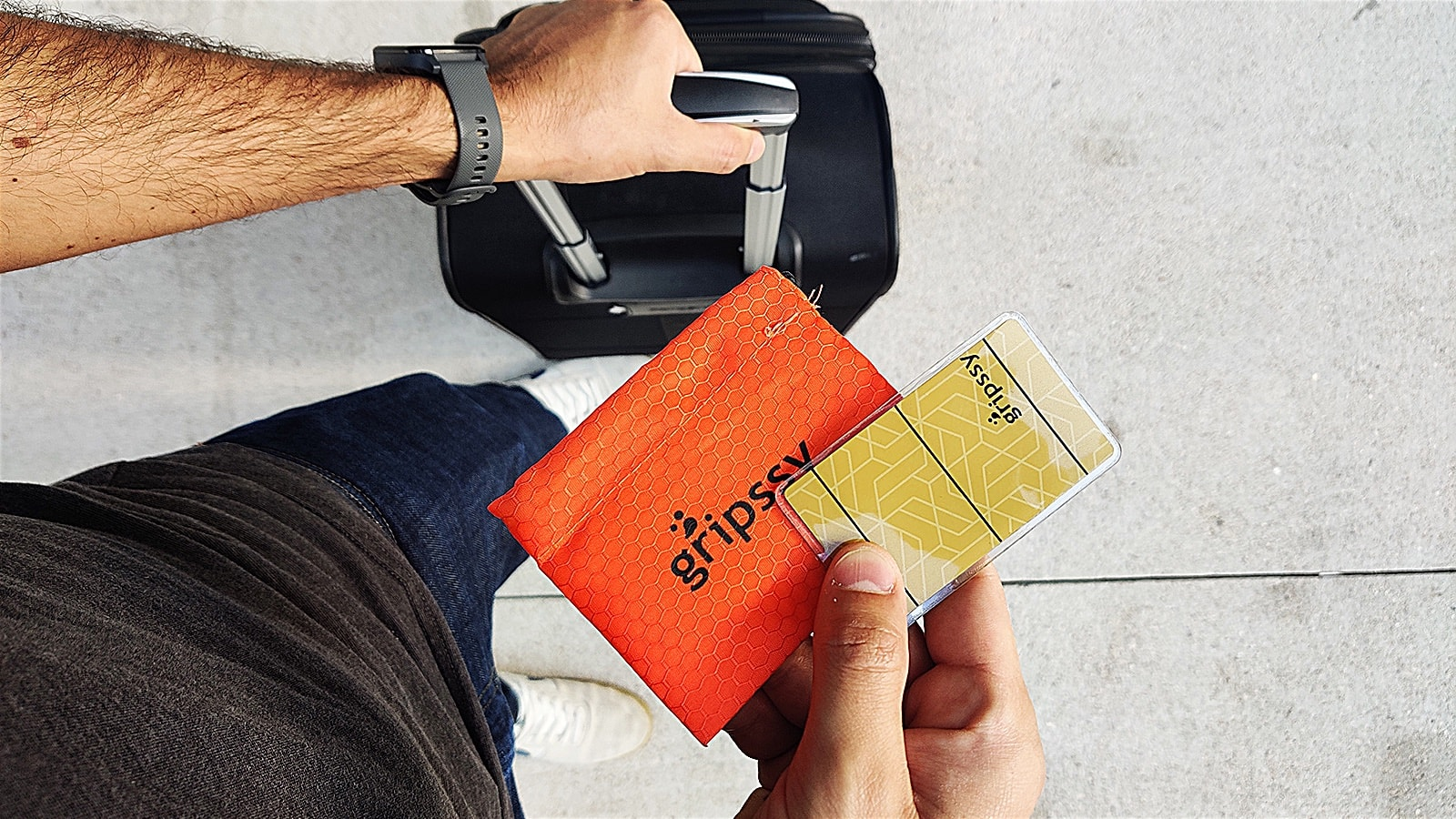 Gripssy nano-tech phone holder sticks to your device and holds it in place during travel