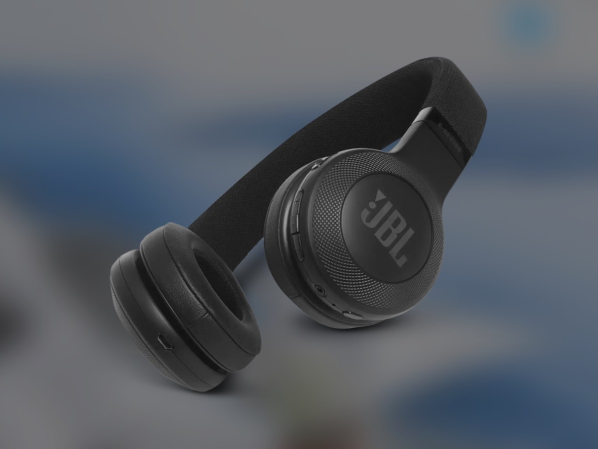 JBL E65BTNC Bluetooth over-ear headphones feature 40 mm drivers and Active Noise Cancellation