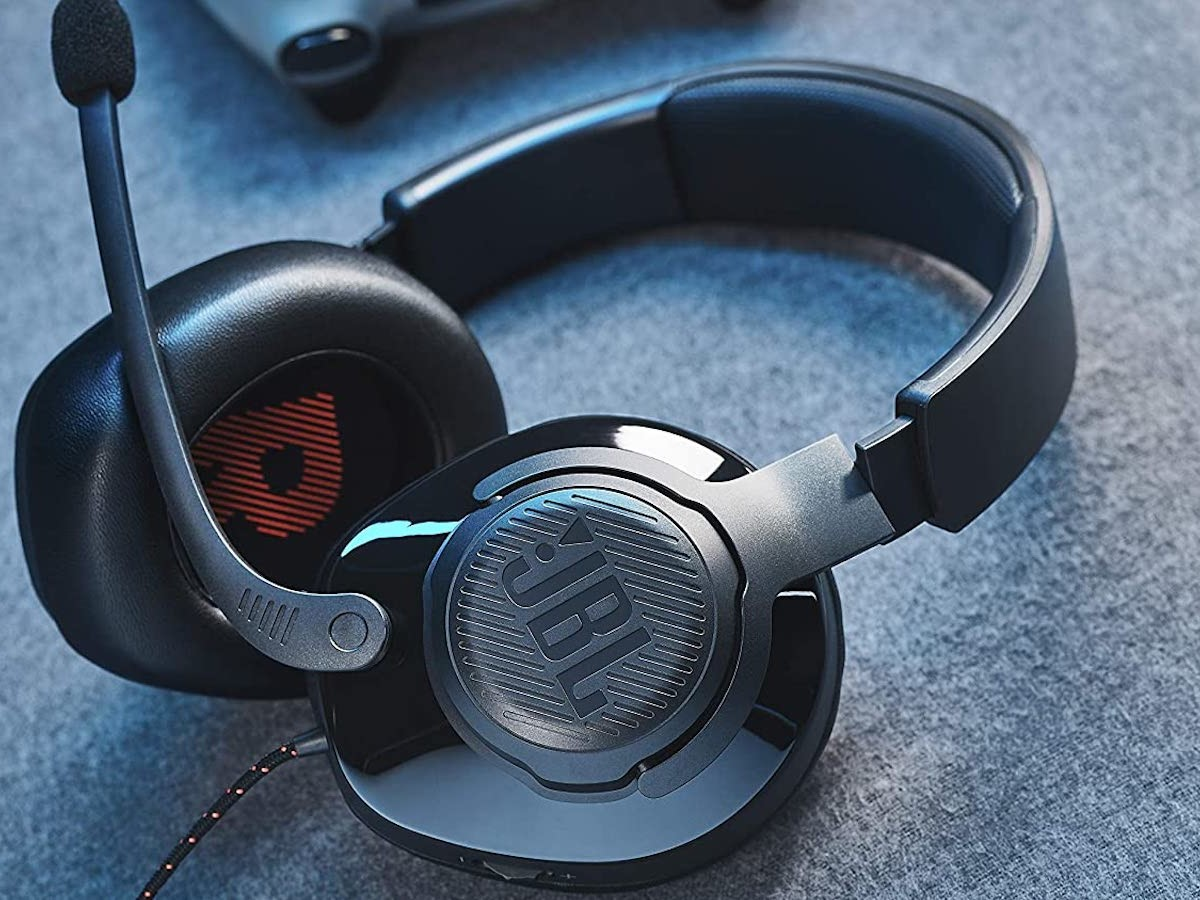 JBL Quantum 200 wired gaming headset includes QuantumSOUND Signature & 50 mm drivers thumbnail