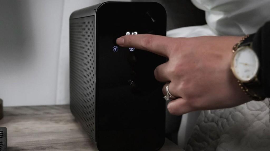 KeySmart CLEANLIGHT AIR XL compact home air purifier