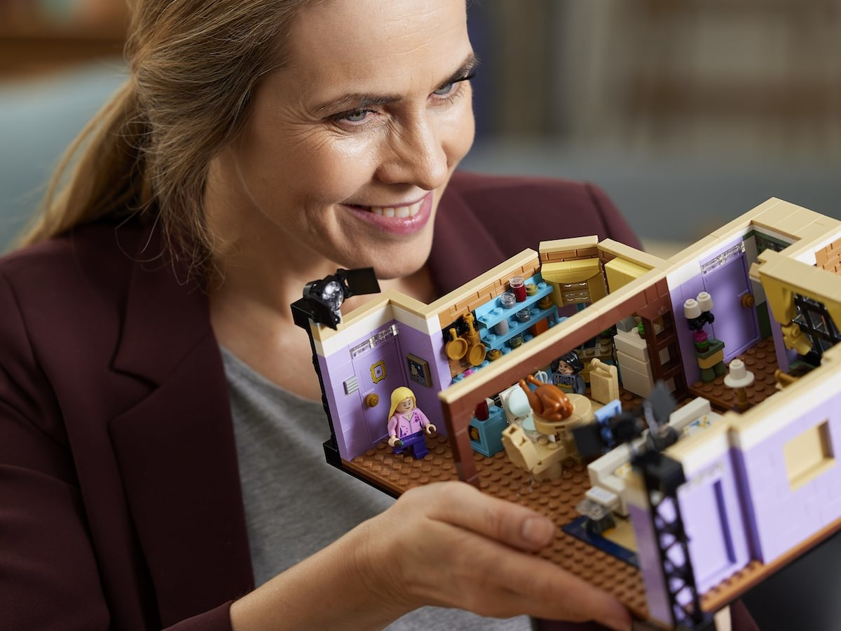 LEGO The Friends Apartments set lets you recreate scenes from your favorite 90s sitcom
