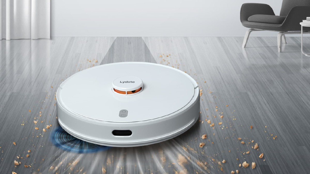 The Lydsto R1 self-emptying robot vacuum solves regular robot vacuums' suction problems