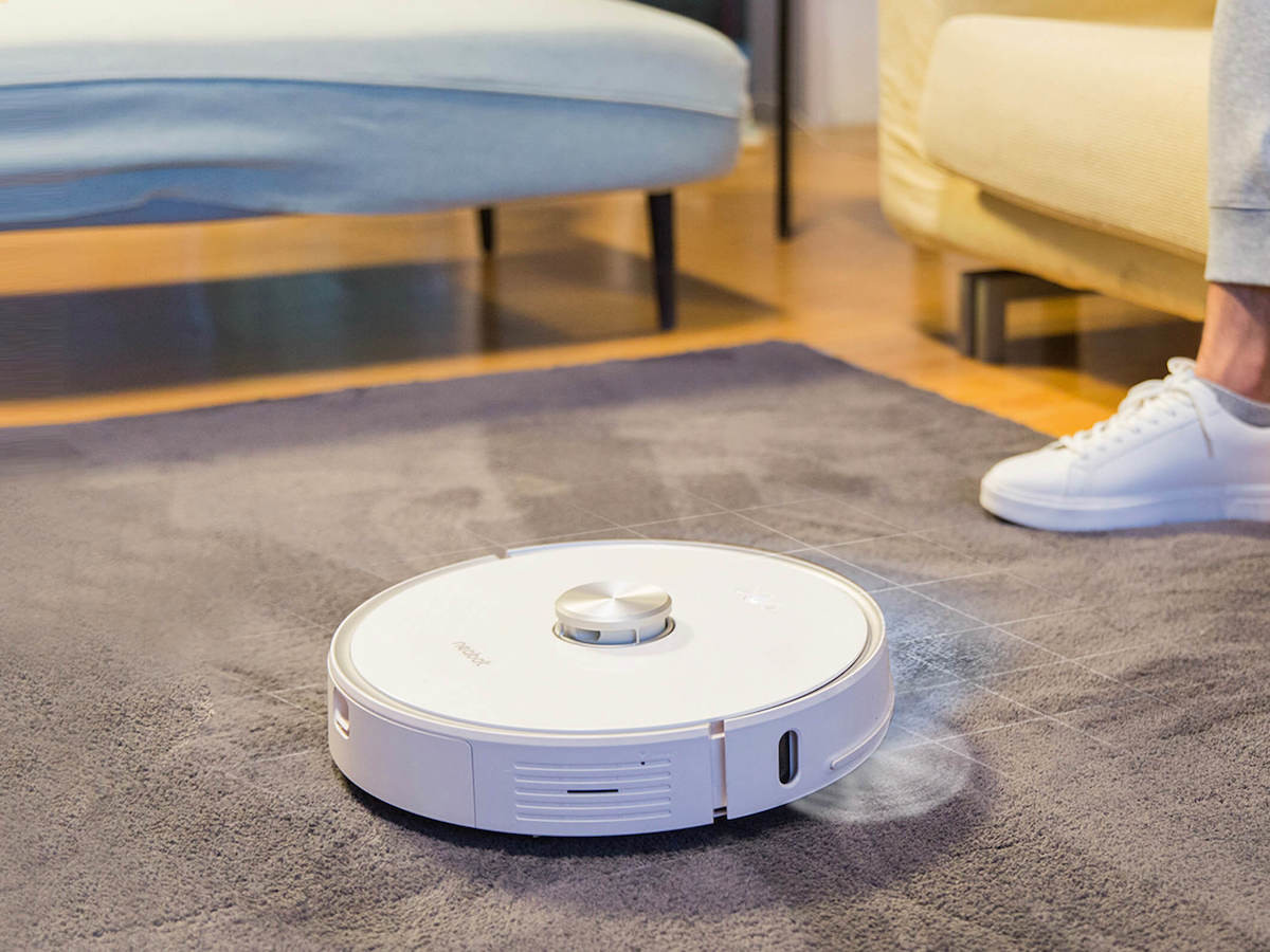 Neabot NoMo N1 hands-free robot vacuum automatically collects and disposes of dirt for you