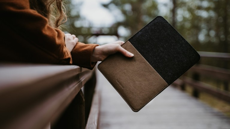 Oakywood Felt MacBook Case features stylish merino felt & washpapa to protect your device