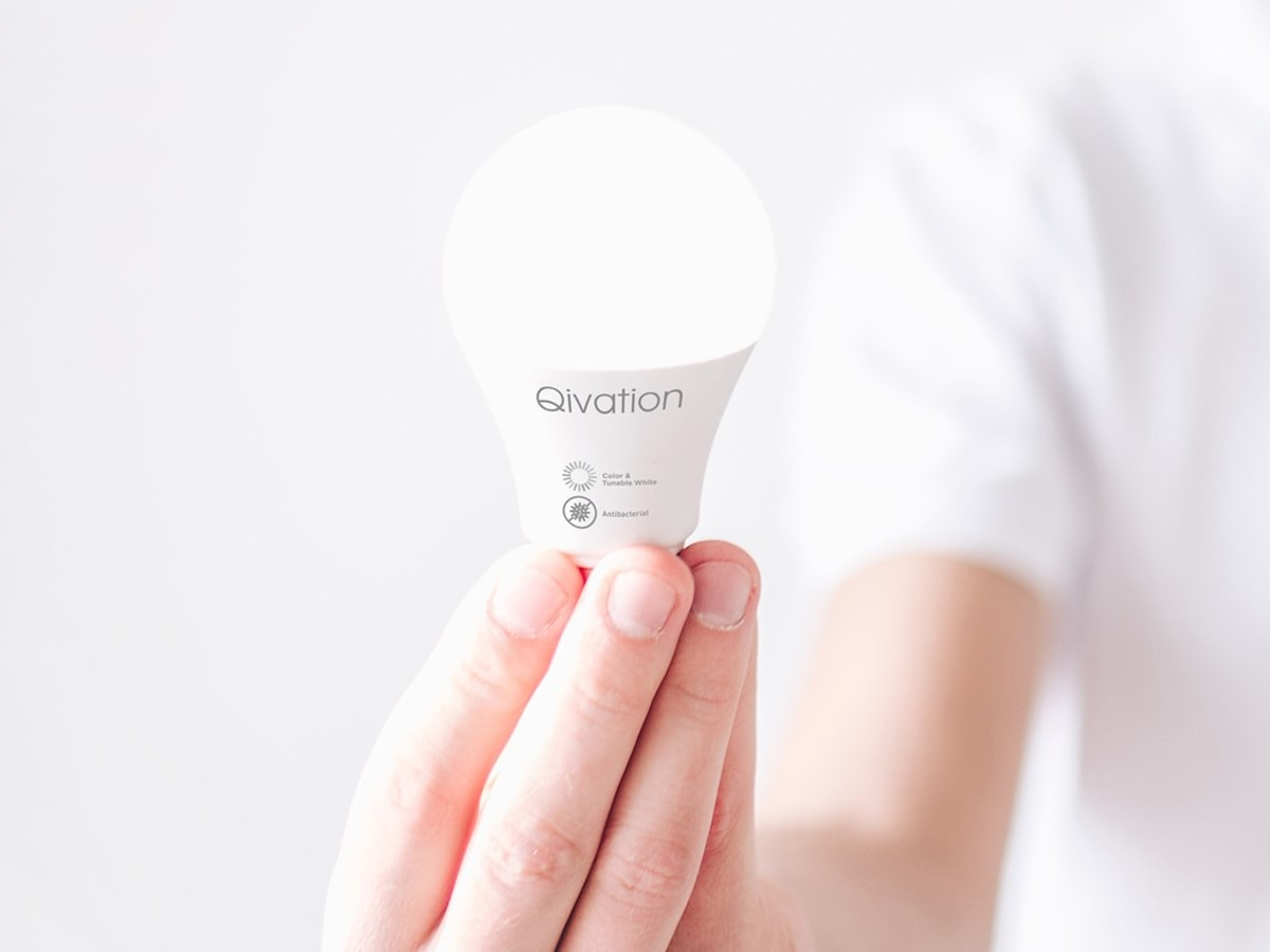 Qivation smart LED lightbulb purifies your home with TiO2 photocatalysis technology