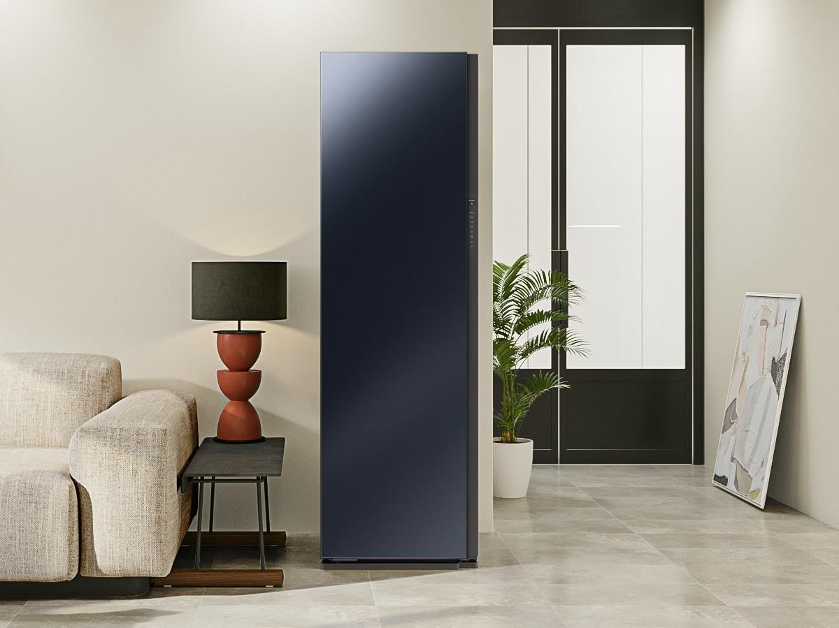 Samsung Bespoke Smart AirDresser has powerful JetStream technology to refresh fabrics