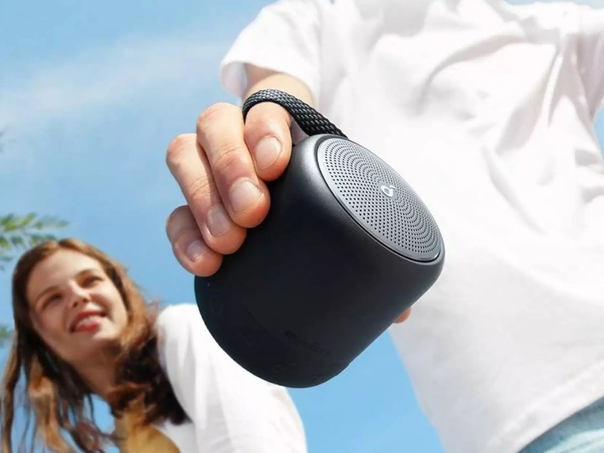 Soundcore Mini 3 palm-size speaker gives you 360° of audio in a cup-size form factor