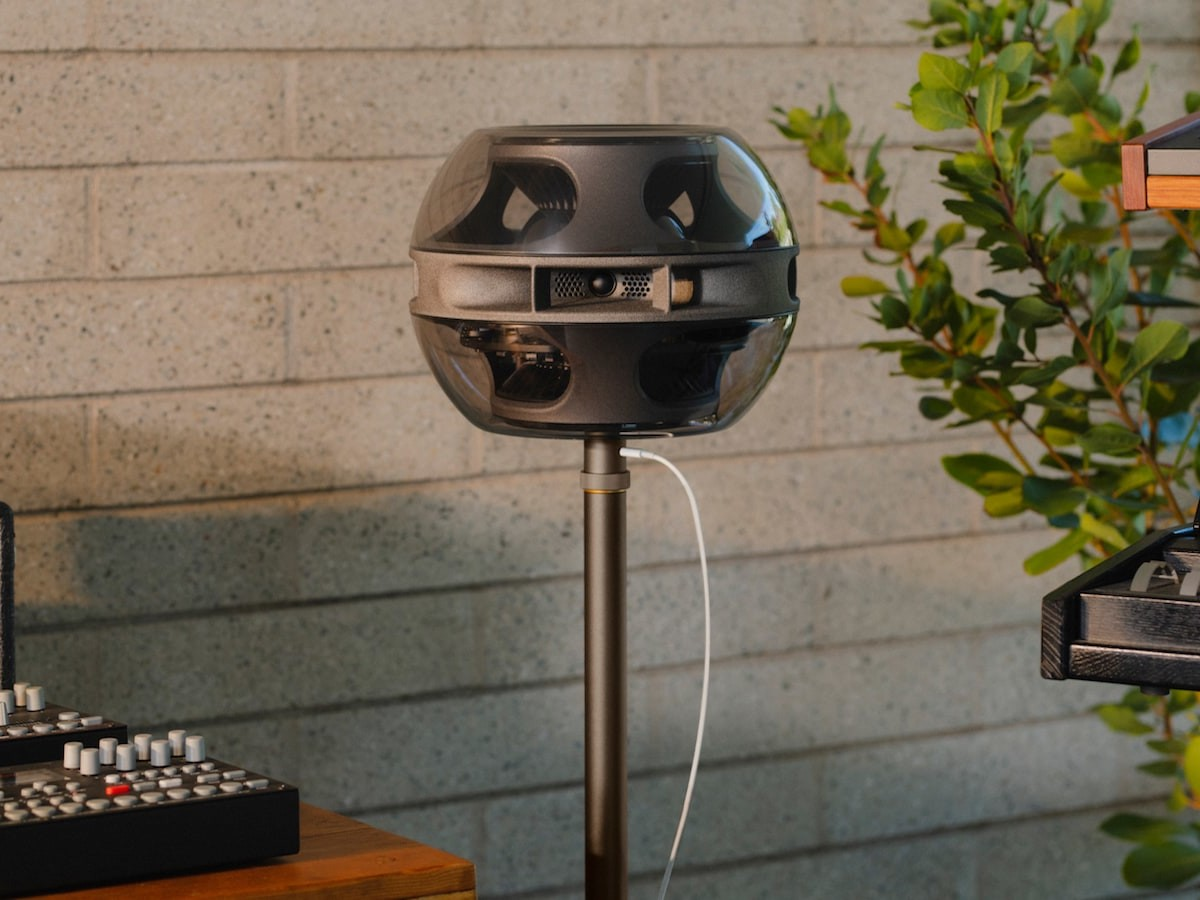 Syng Cell Alpha triphonic speaker features force-balanced subwoofers for clean, deep sound