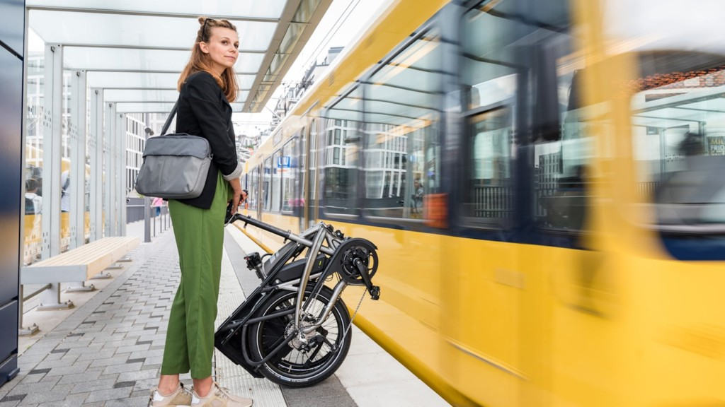 These are the most innovative eBikes for commuters that you can buy this year Tern Bicycles Vektron eBike series