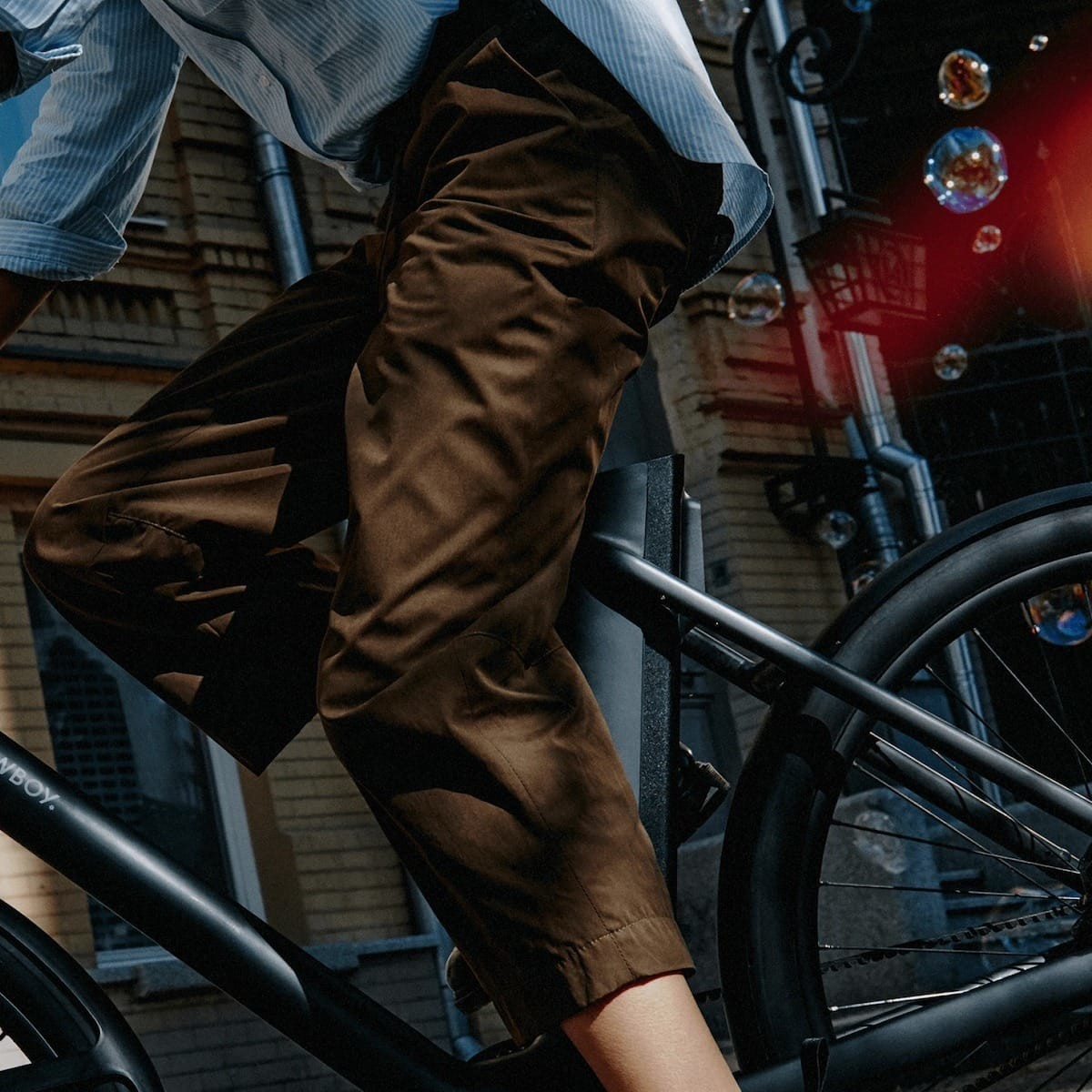 The new Cowboy 4 ST eBike features the first step-through frame from the company thumbnail