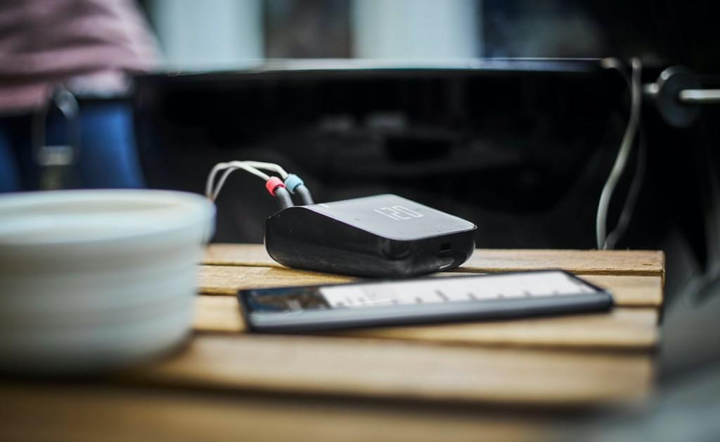 V Weber Connect Smart Grilling Hub
