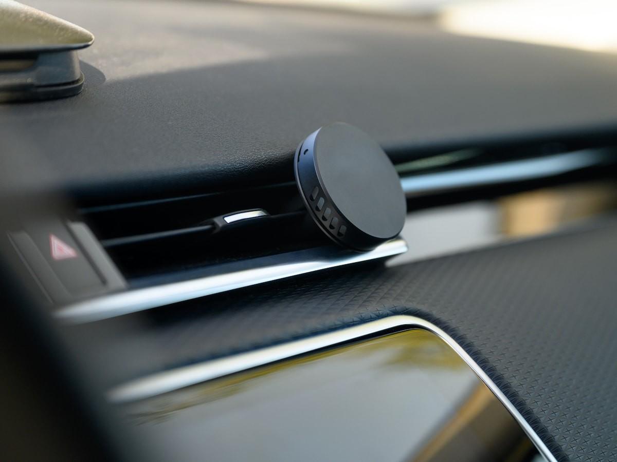 drift rove vent freshener uses designer-grade, chemical-free, essential oil blended scents thumbnail