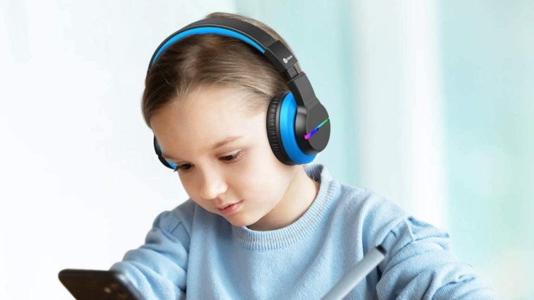 iClever BTH12 over-ear kids' Bluetooth headphones have colorful LED lights in four modes