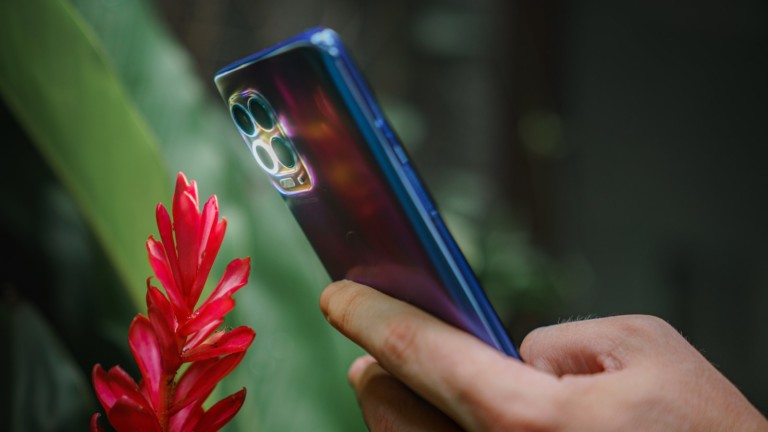 motorola moto g100 Android smartphone uses the Qualcomm Snapdragon 870 5G Mobile Platform