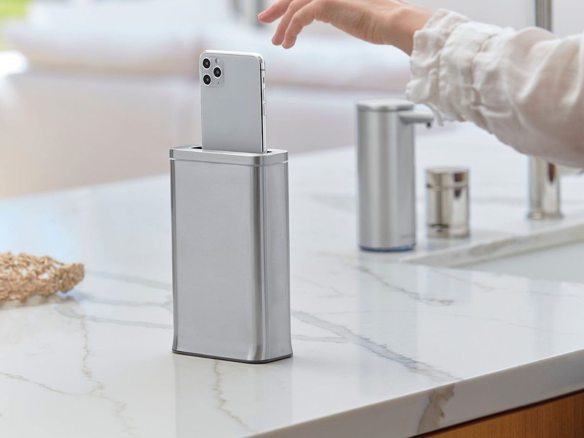 simplehuman cleanstation smartphone sanitizing device cleans your phone in 30 seconds