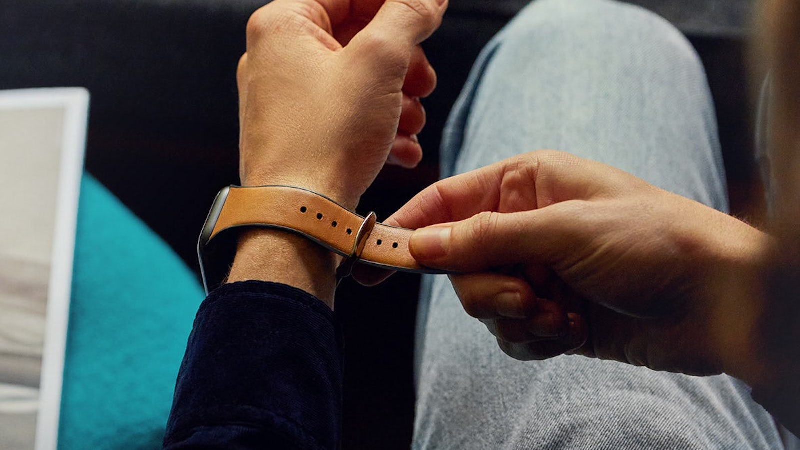 Bellroy-Watch-Strap-for-Apple-Watch-01.jpg