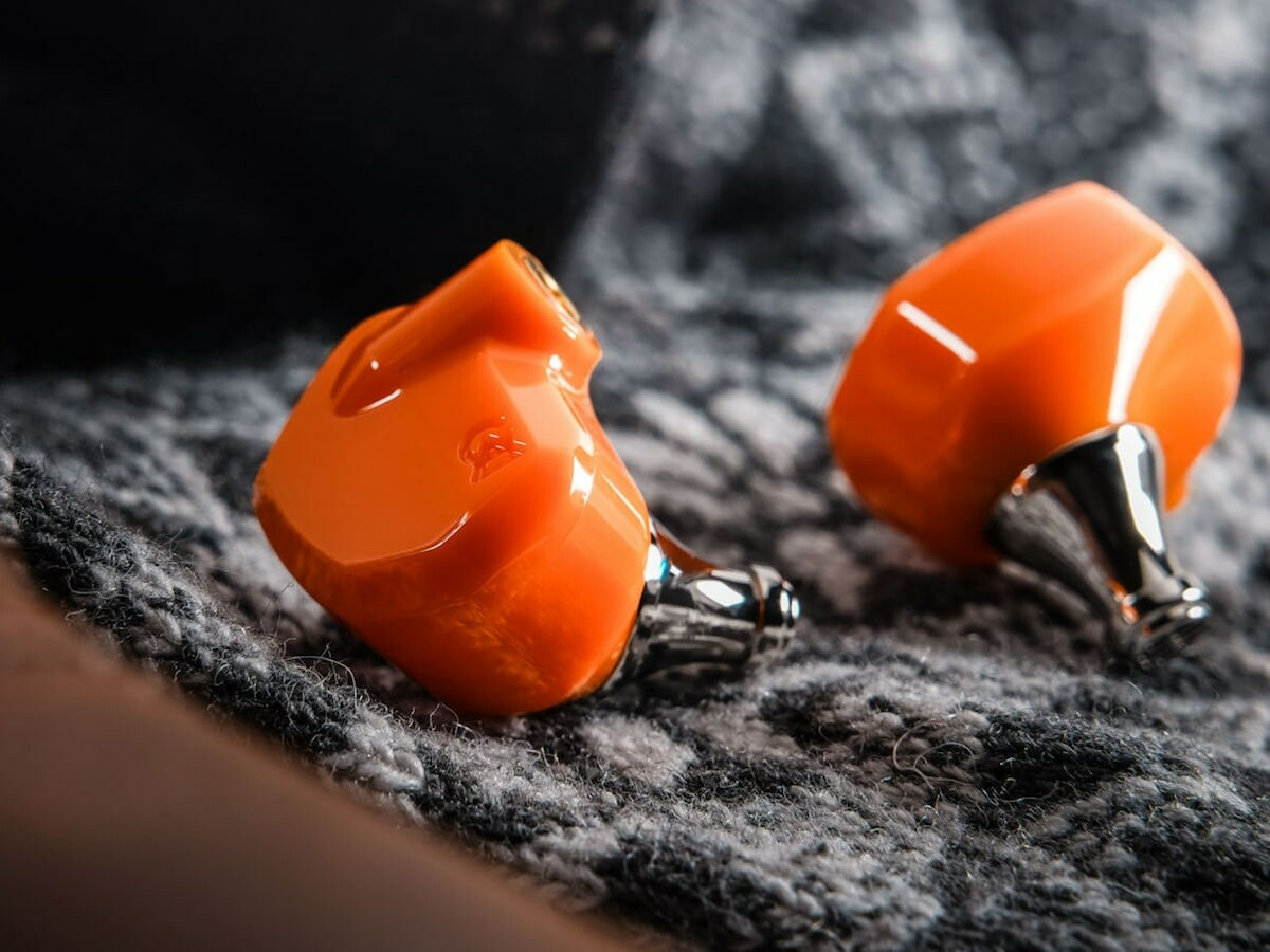 Campfire Audio Satsuma ABS earbuds provide a natural and balanced sound with clarity
