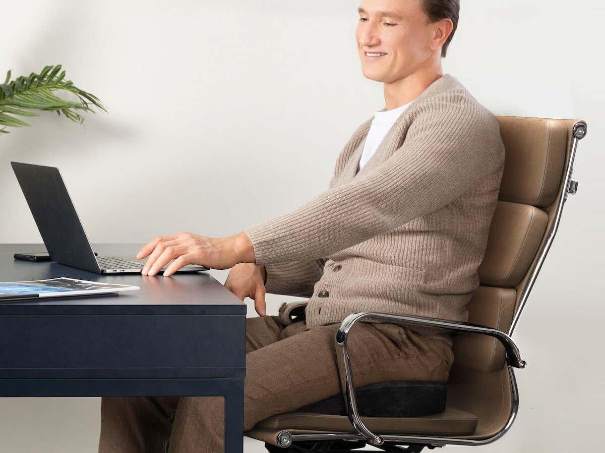 Everlasting Comfort Office Chair Seat Cushion uses your body heat to mold to fit you