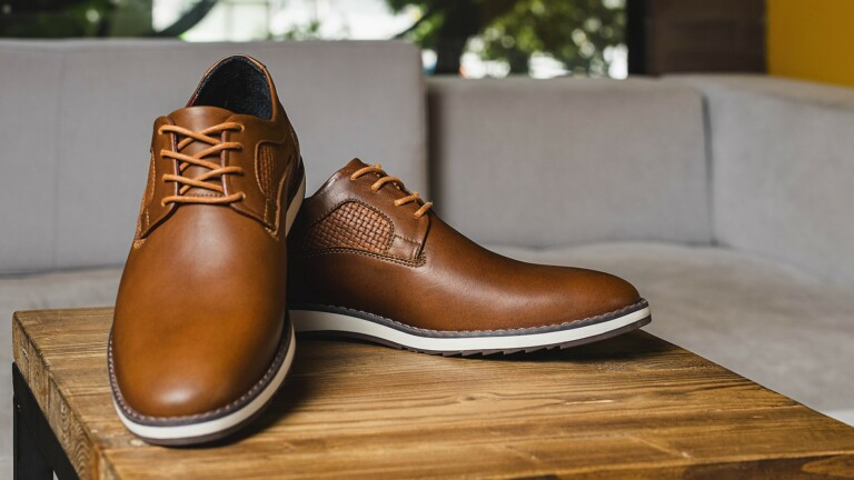 John Candor Shoes cross-occasional footwear are comfortable to wear with a high-end look
