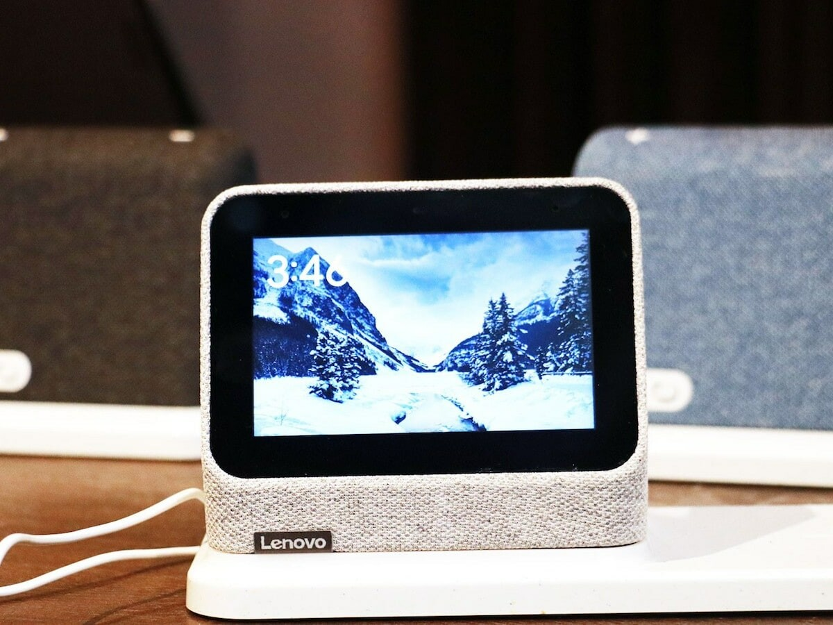 Lenovo Smart Clock 2 works with Google and organizes your day with reminders and alarms