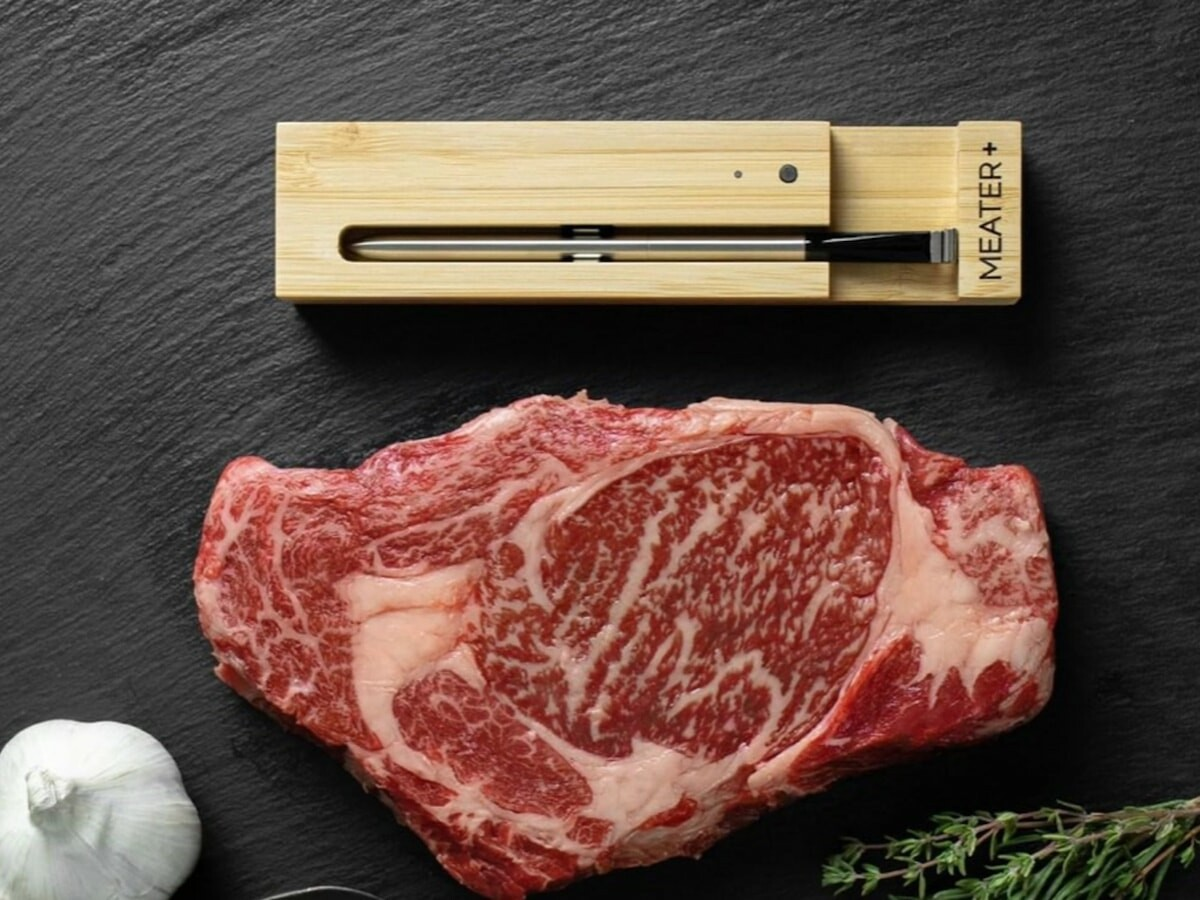 MEATER Plus wireless smart meat thermometer has a long-range 165′ Bluetooth connection
