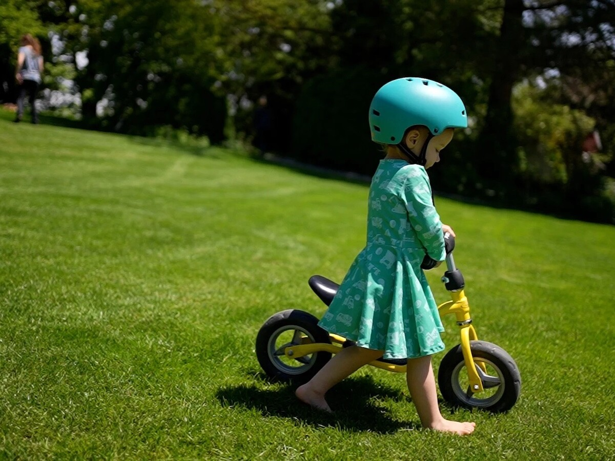 Mint Girls organic clothing highlights a love for science, astronauts, and trucks