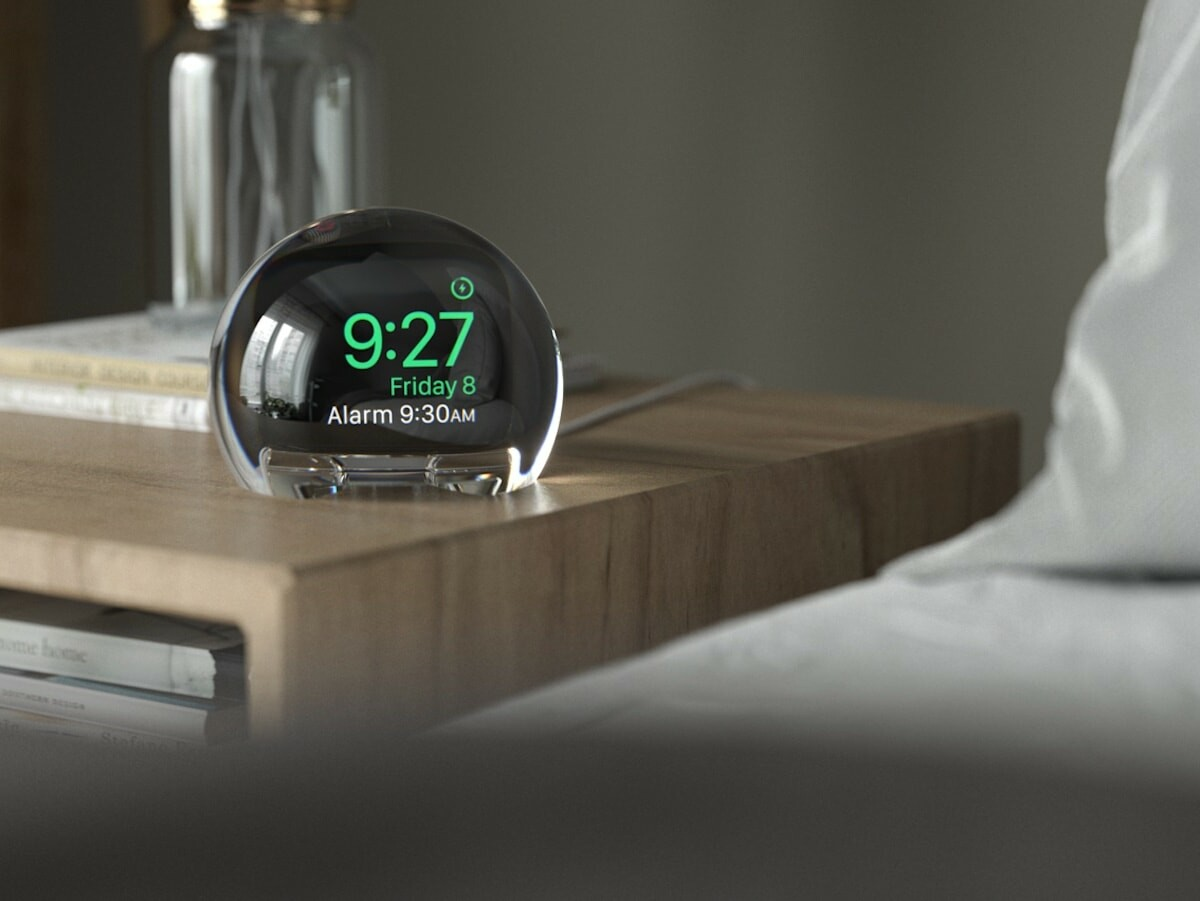 NightWatch Apple Watch touchscreen magnifies your smartwatch and gives it a larger display