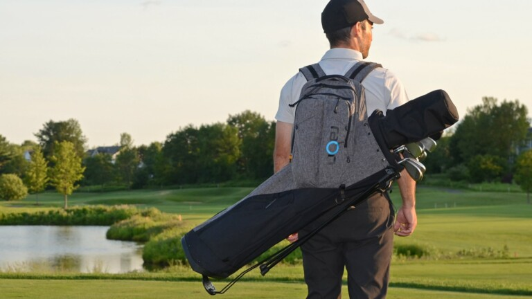 Raon Golf Pack ergonomic bag has a design that reduces muscle, ligament, and joint stress