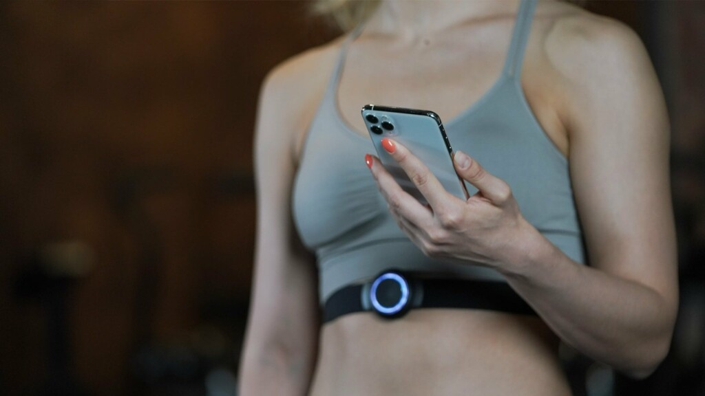 This high-tech fitness wearable gives you real-time feedback and tailored training SPOTU advanced fitness wearable