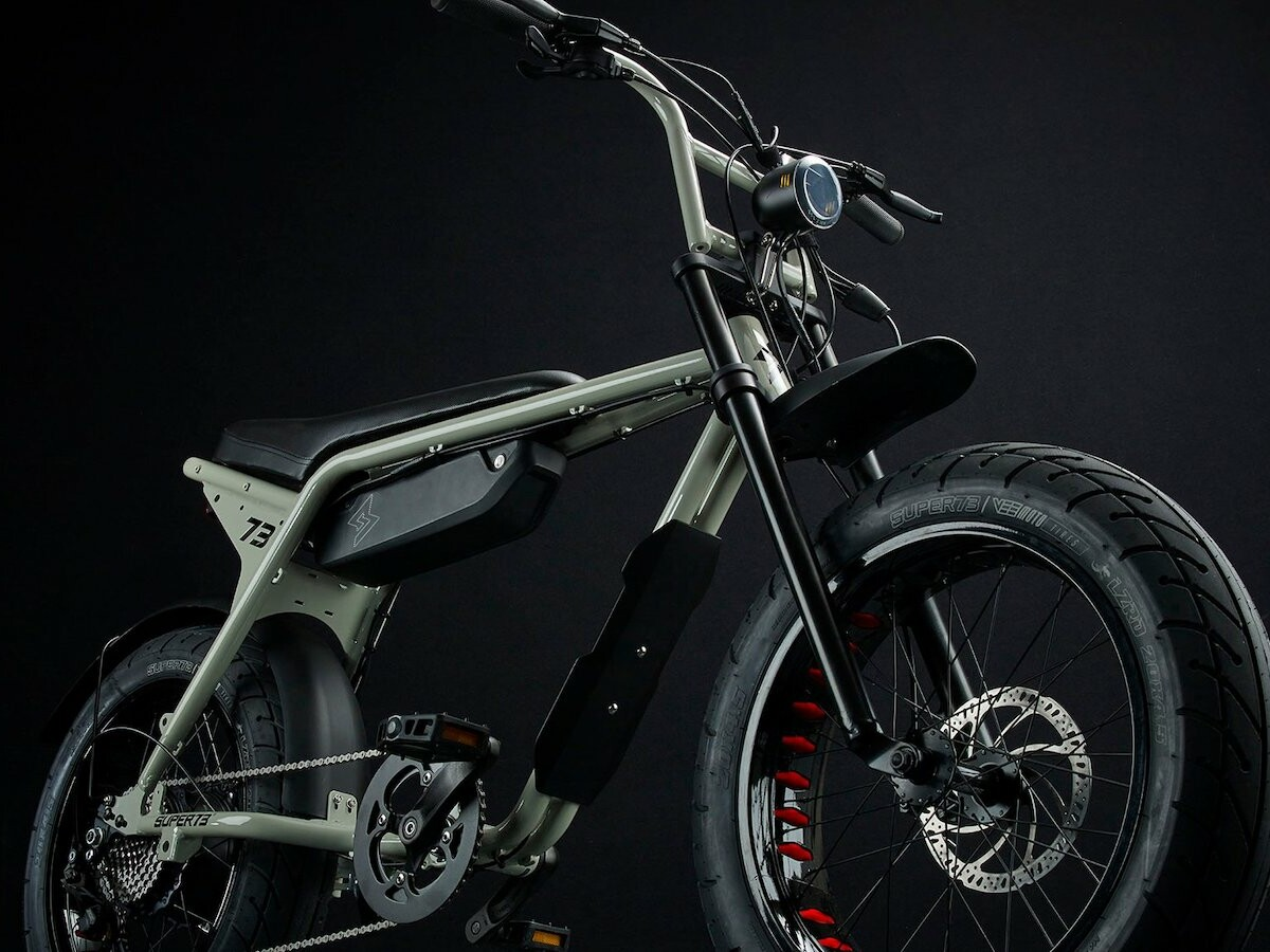 SUPER73-ZX aluminum eBike features a light aluminum alloy frame and a removable battery thumbnail