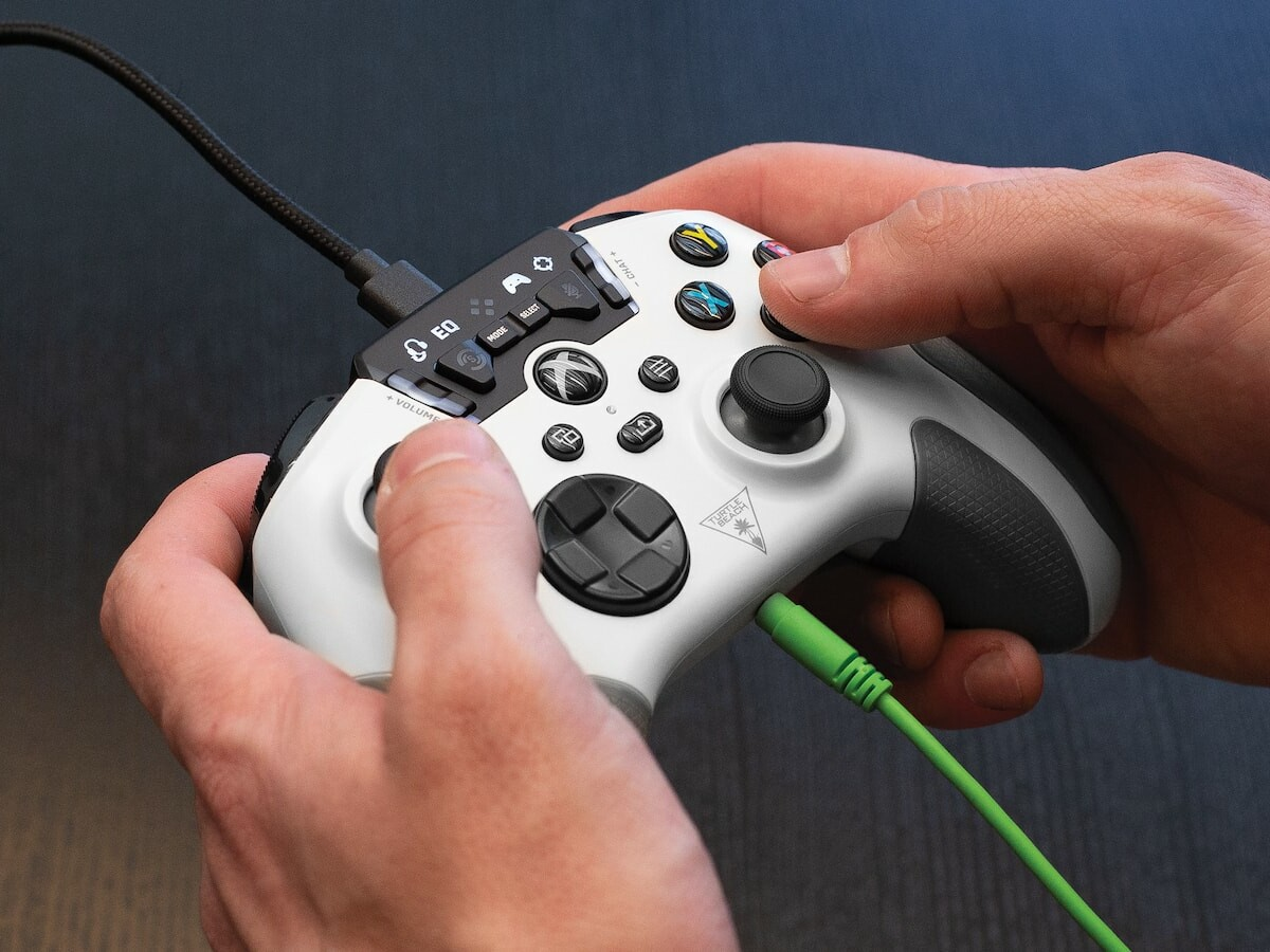 Turtle Beach Recon Enhanced Gaming Controller helps you win with quick-action controls