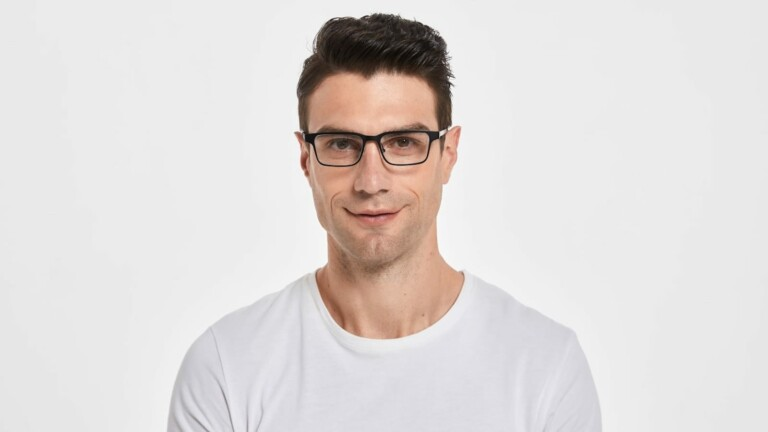 VOY Glasses Cadore 2nd-gen tunable eyewear adapts to your vision and has an elegant frame