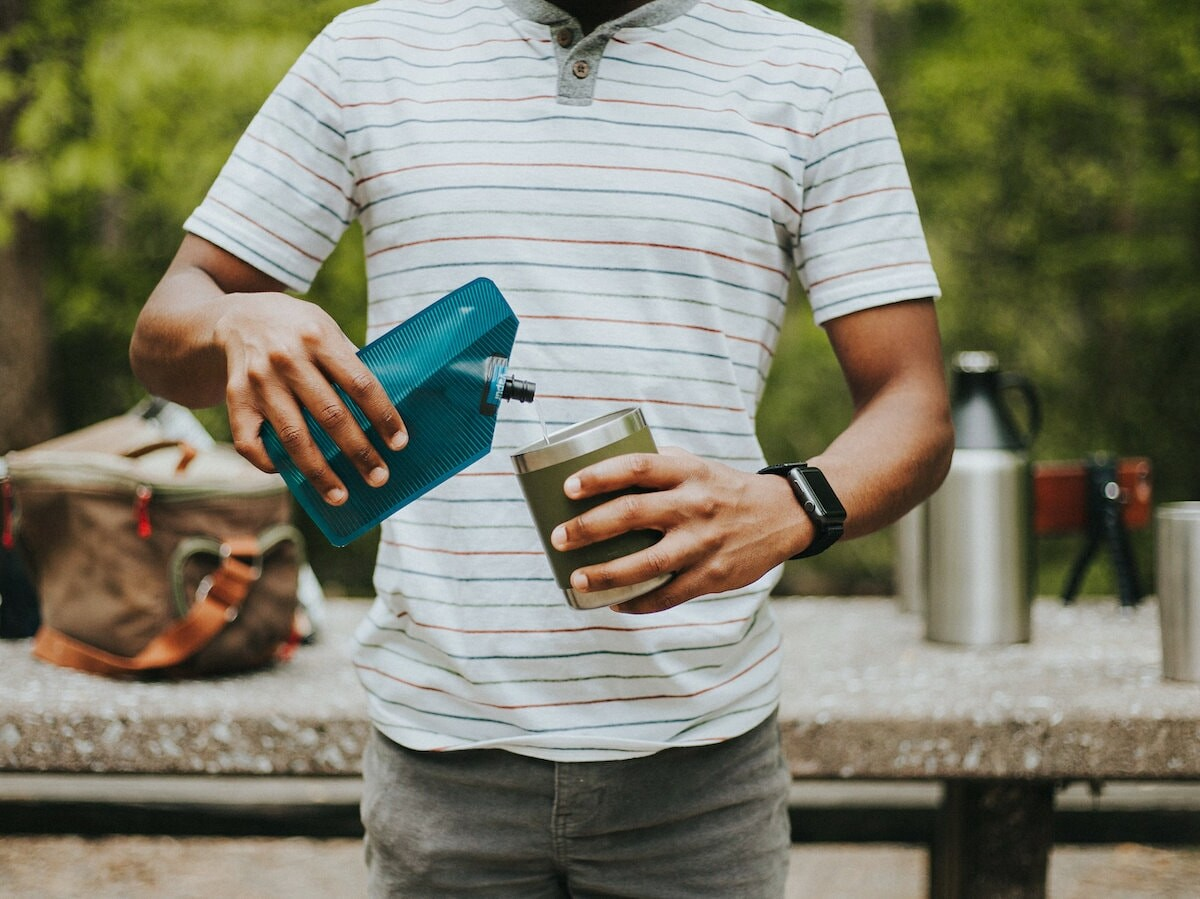 Vapur Incognito 300 mL flask has a flexible, low-profile design that folds when empty