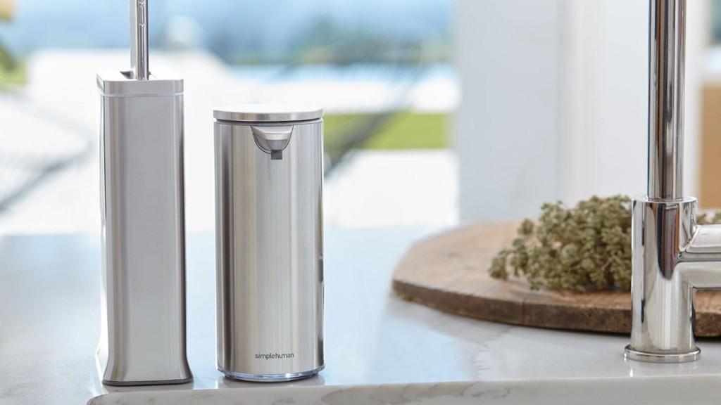 simplehuman cleanstation smartphone sanitizing device