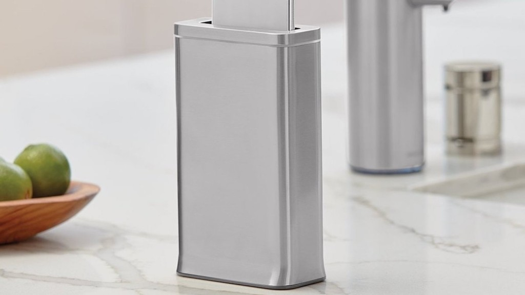 This useful smartphone disinfecting device destroys 99.9% of germs in 30 seconds simplehuman cleanstation smartphone sanitizing device