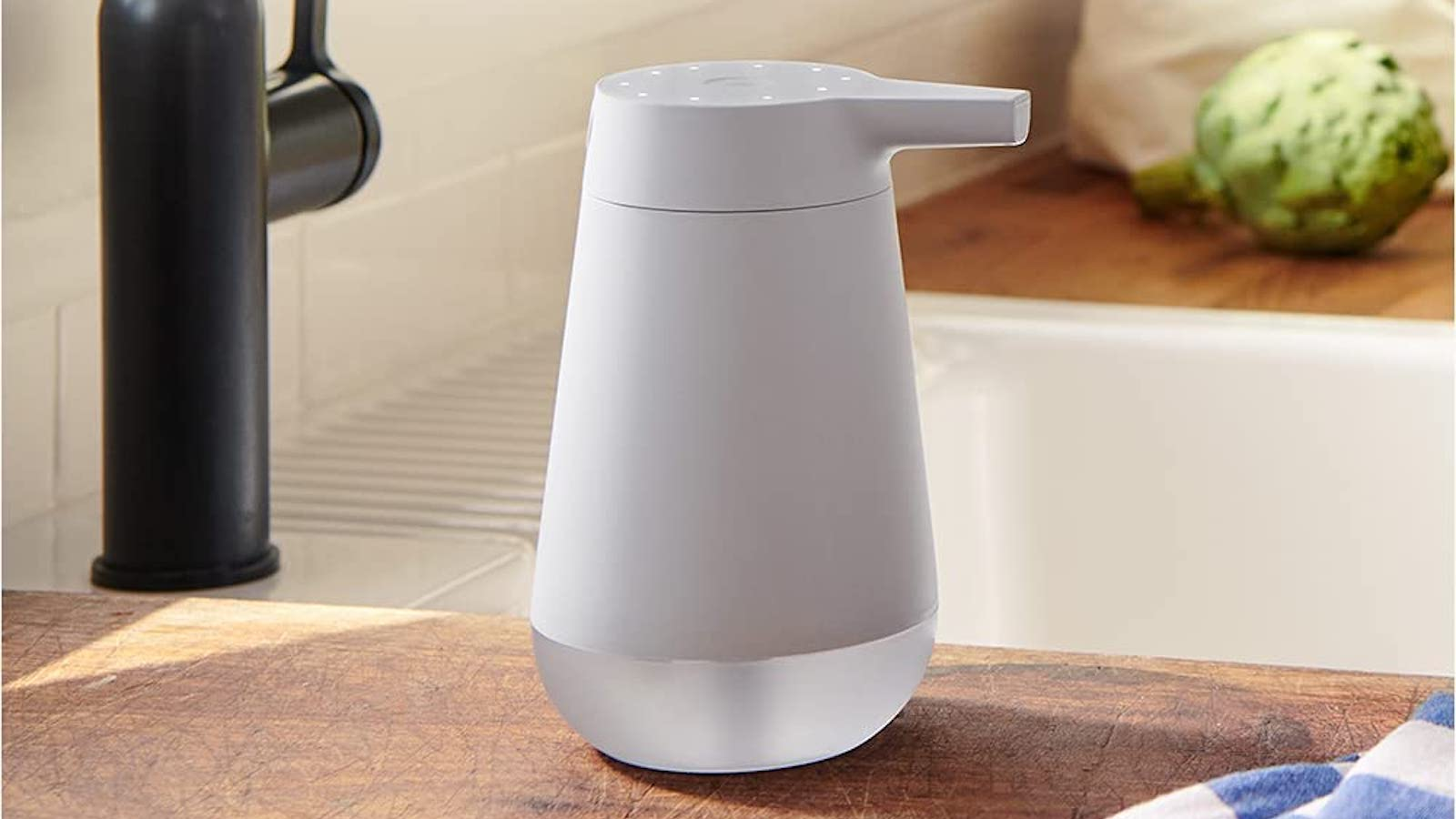 Amazon Smart Soap Dispenser has a 20-second timer and works with a compatible Echo device