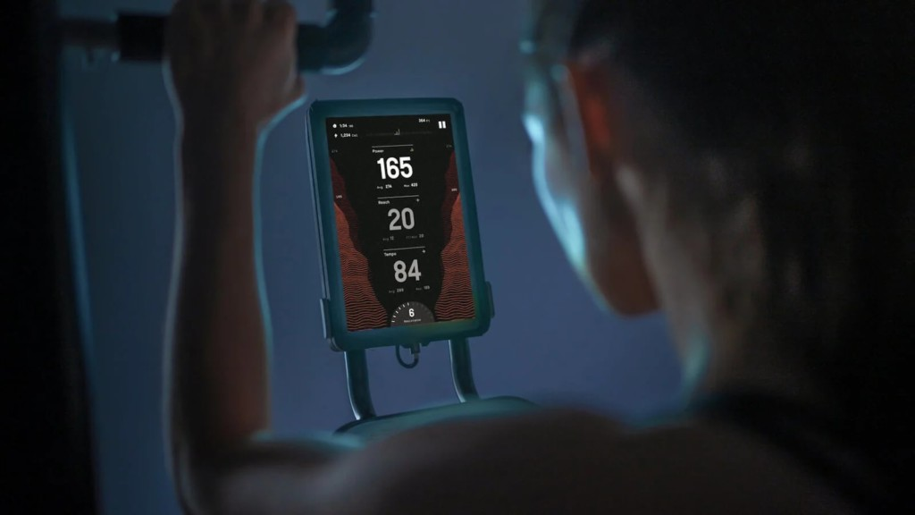CLMBR Pure workout machine has a large HD touchscreen and a dedicated fitness app