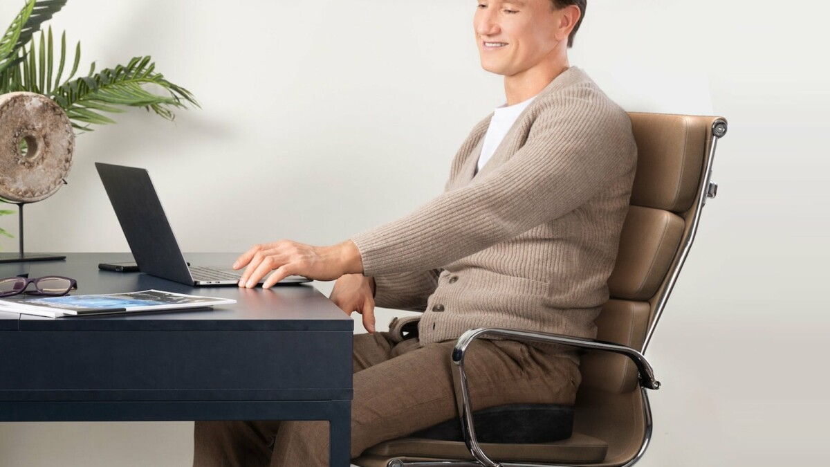 This office chair cushion helps improve your posture, so you sit comfortably all day long