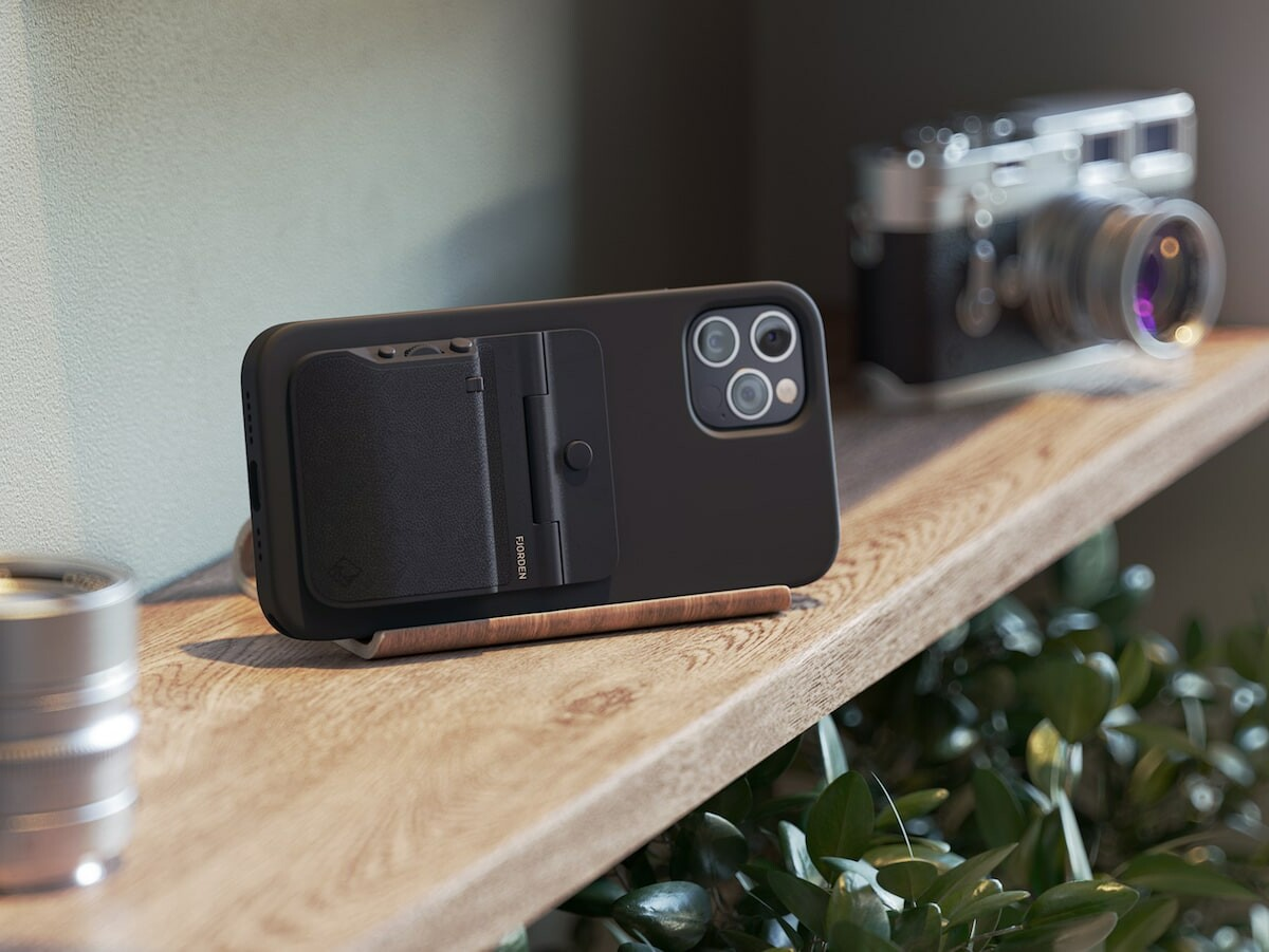 Fjorden iPhone camera grip offers faster & more precise camera controls for pro shots