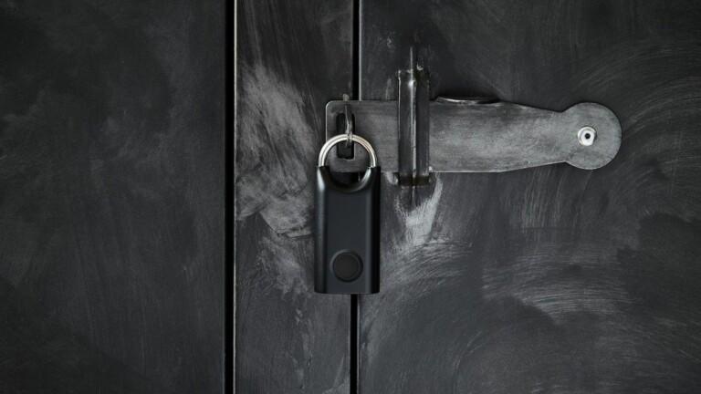 Guillaume Delvigne Nomaday Lock unlocks using your fingerprint and has a sleek design