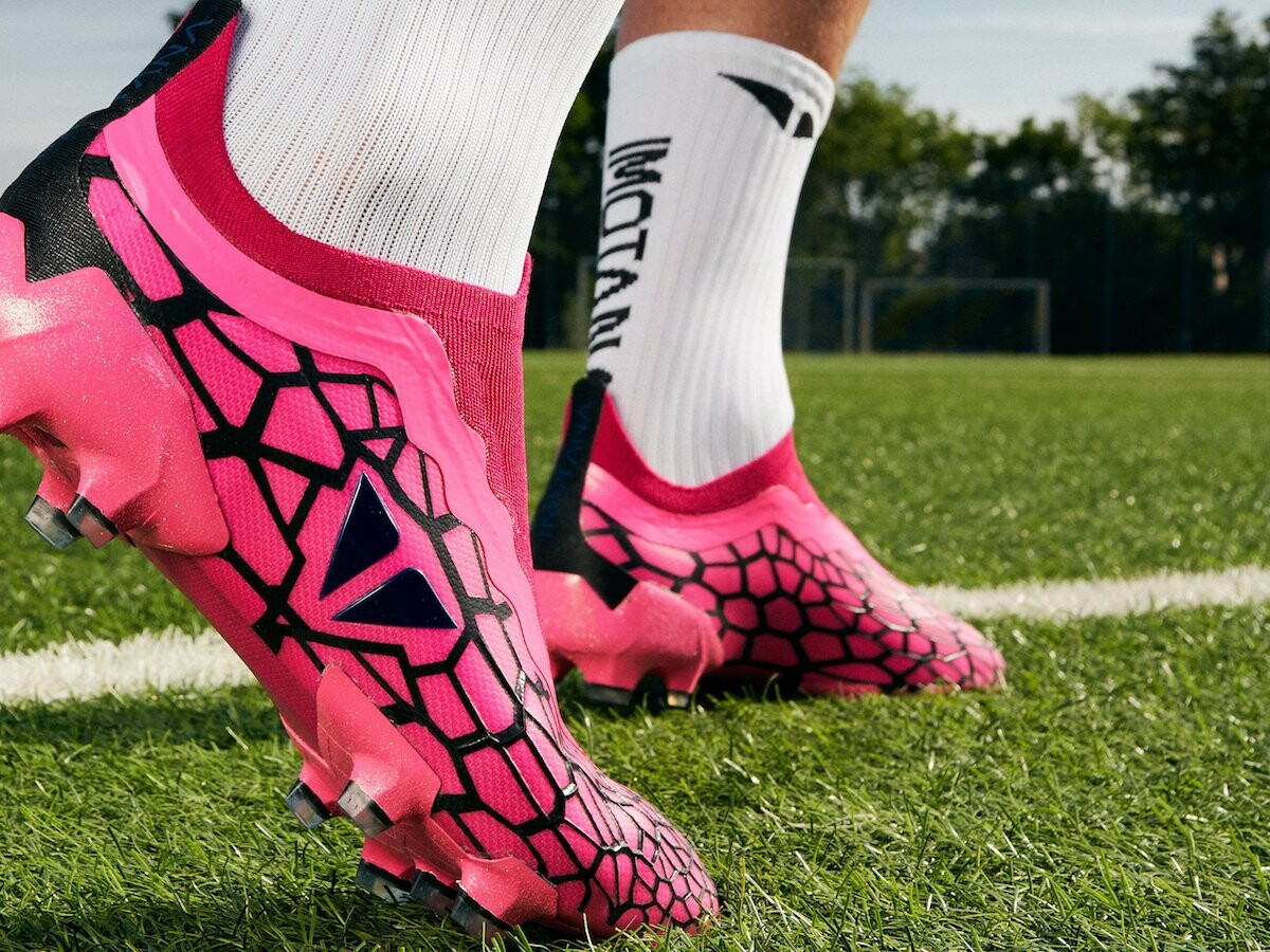IMOTANA tailor-made soccer shoes offer a perfect fit with an app that 3D scans your feet