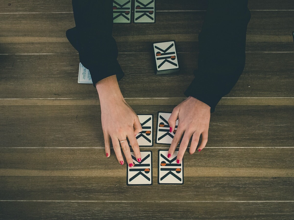 KOMBIO all-in-one card game focuses on developing your memory, speed, and strategy