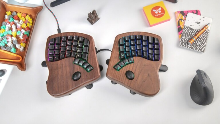 Keyboardio Model 100 customizable mechanical keyboard keeps wrists in a neutral position