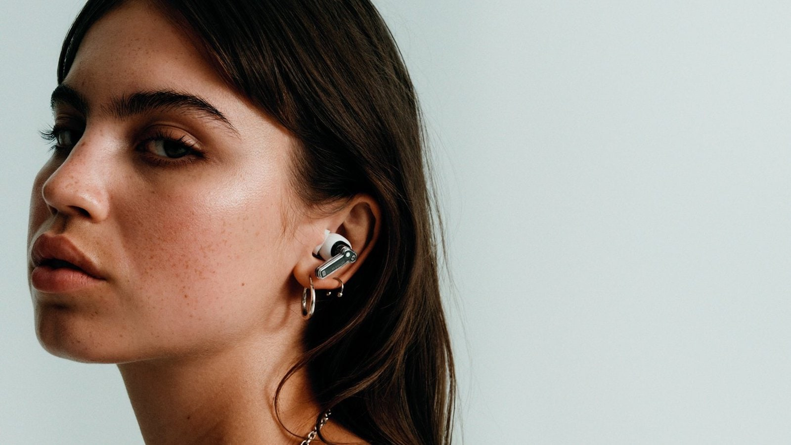 Nothing ear (1) lightweight earbuds use Clear Voice Technology and 3 high-definition mics