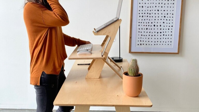 RLDH Alto minimal standing desk allows you to work standing and offers back relief
