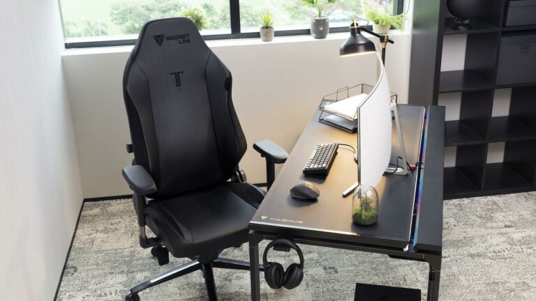 Secretlab TITAN Evo 2022 gaming chair has cold-cure foam and a comfy pebble seat base